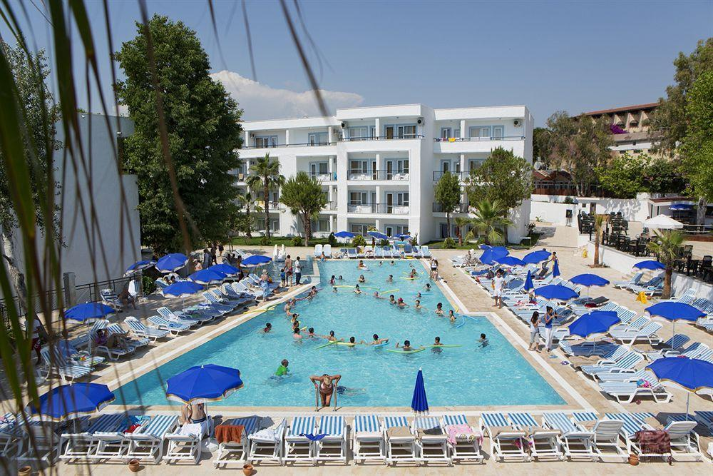 Отель Larissa Beach Club